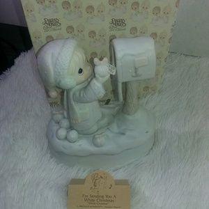 Precious Moments Musical Figurine White Christmas